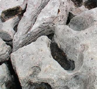 Fotoğraf 1.152 Kayaçların kimsayal ayrışması daha çok suyun etkisiyle gerçekleşir.