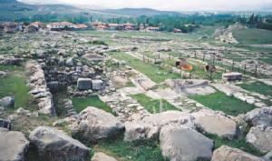 Fotoğraf 3.6 Hititlerin başkenti Hattuşa'nın kalıntılarından bir görünüm (Çorum)