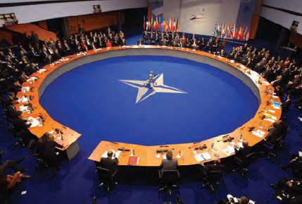 Fotoğraf 3.67 NATO, bir toplantı hâlindeyken