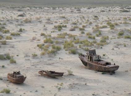 Fotoğraf 4.24 Aral Gölü'nün bir kısmı çöl hâline gelmiştir.