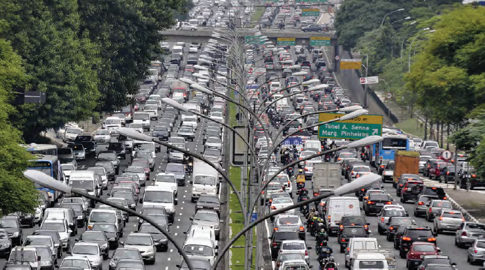 Görsel 1.21 Meksiko City, trafik yoğunluğunun en yoğun olduğu şehirlerden biridir.