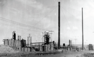 Görsel 1.23 1953'te Batman'da kurulan ilk petrol rafinerilerinden bir görünüm
